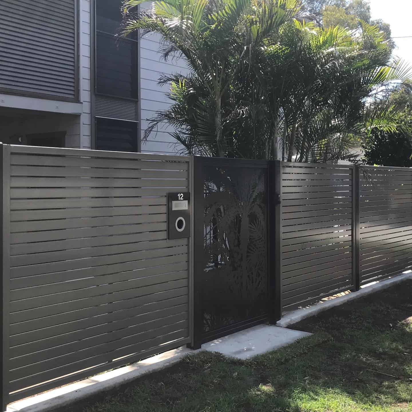 fencing specialists sunshine coast